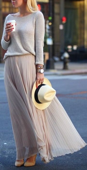 Lovely way to wear maxi skirt