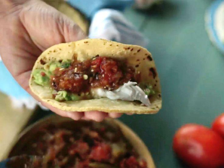 Fisktacos med salsa molcajete och guacamole   Recept.nu