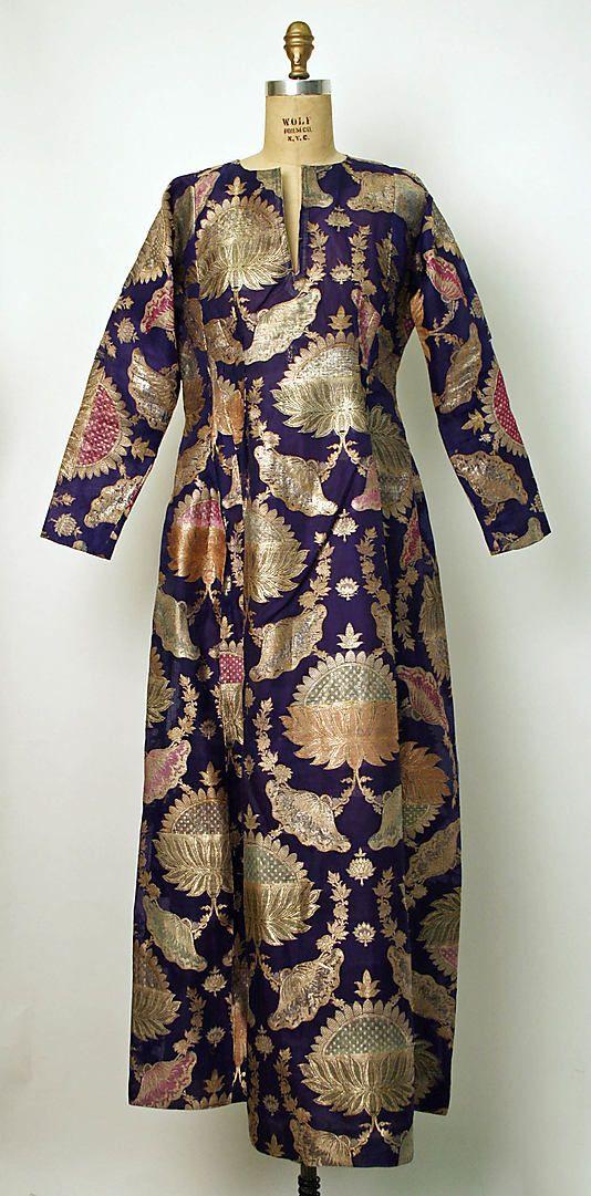 Robe, late 19th - early 20th c., Middle Eastern, silk, metallic
