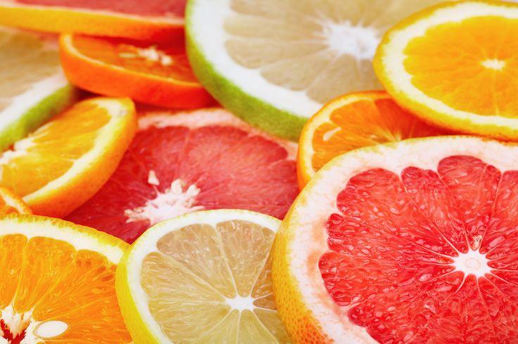 zitrusfrüchte im smoothie maker
