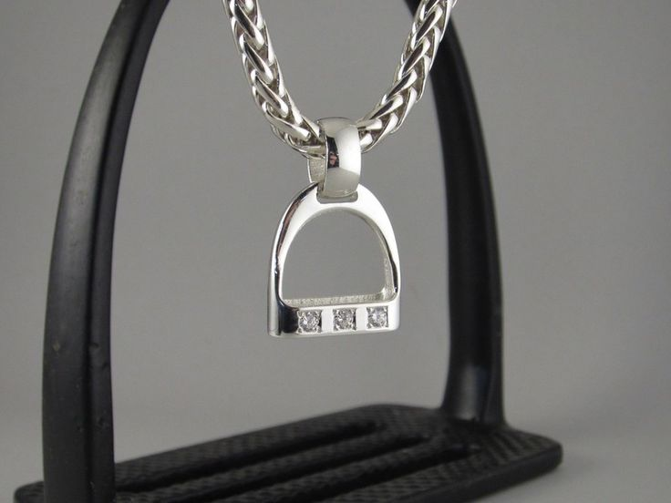 EP082a+ - Large Wide Bar with 3 CZ's Stirrup Pendant – The Cambridge Collection