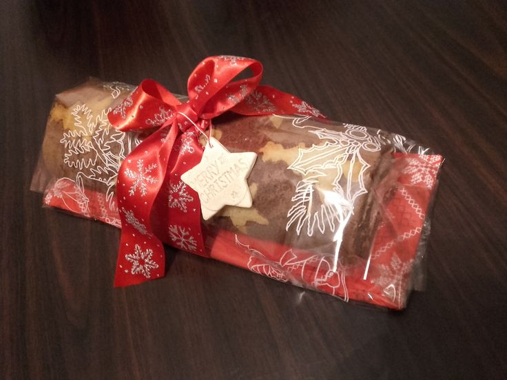 Christmas cake roll as a gift