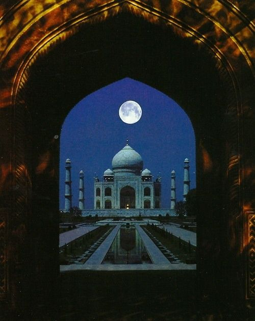 Top 10 Most Romantic Places in the World - Taj Mahal, India