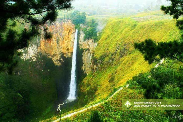 Explore Sumatera Utara  November 8 - 10, 2013 Danau Toba  Link : http://triptr.us/sK