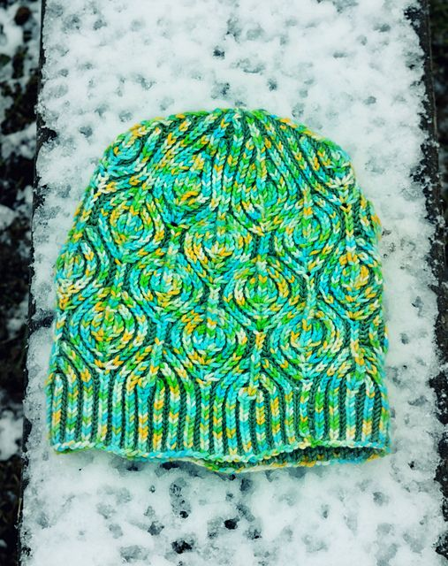#FreePatern: Lollipop Brioche Hat pattern by Raina K