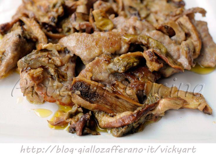 Straccetti di vitello e funghi porcini, ricetta veloce, facile, secondo con contorno saporito, ricetta con funghi, carne in padella, contorno veloce, idea pranzo o cena
