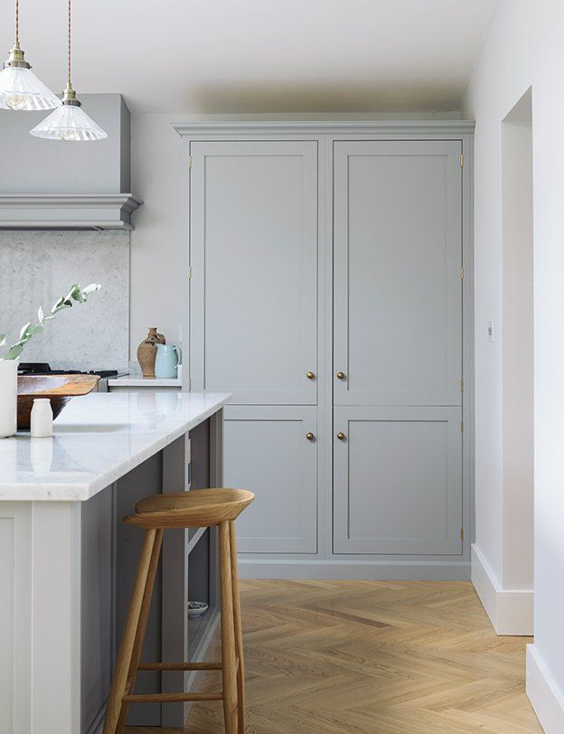 The Bum Stool (Counter Height)   deVOL Kitchens