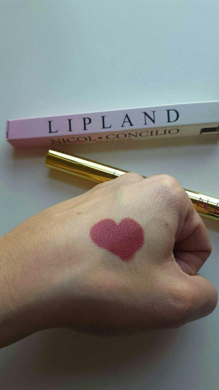 Zoey #nicolconcilio Instagram @miriamnl Gorgeous new shades Lipland Cosmetics #LiplandCosmetics #Amrezy #lipstickaddiction #makeupjunkie #makeupenthusiast #lippiesfordays