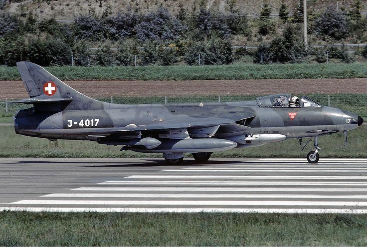 1024px-Swiss_Air_Force_Hawker_Hunter_F58