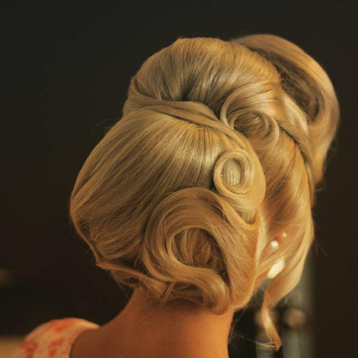 by Loredana CERNISOV @ Xpression Studio&Academy #hair #hairstyle  #haircolor  #hairoftheday #hairdye #style #hairideas #blonde #fashion #hairdo #phlaboratories