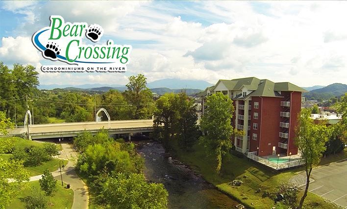 Rays Inn Located 2 3 Miles From Pigeon Forge Parkway Traffic Light Number 3 Wears Valley Road Pigeon Forge Cabin Rentals House Styles Cabin