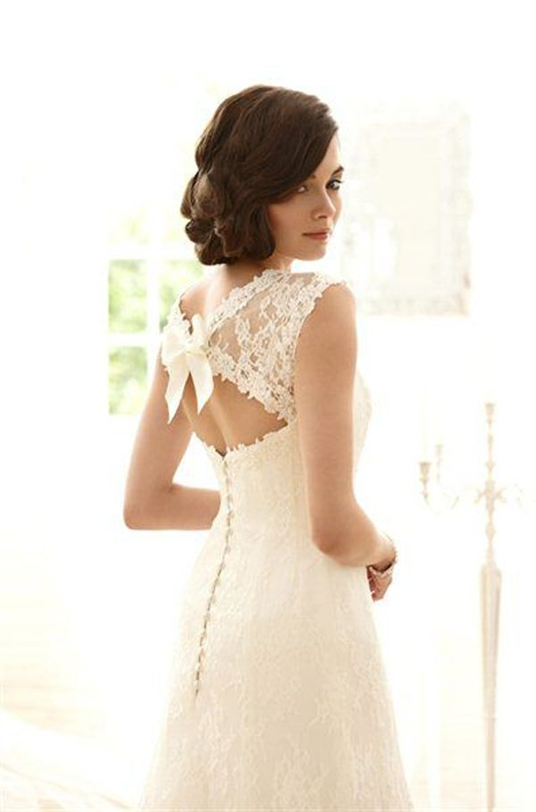 vintage lace wedding dresses with a bow back