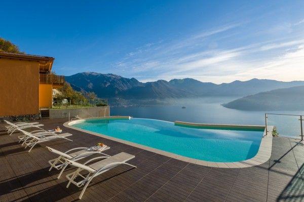 Sunbathing... #lake #Italy
