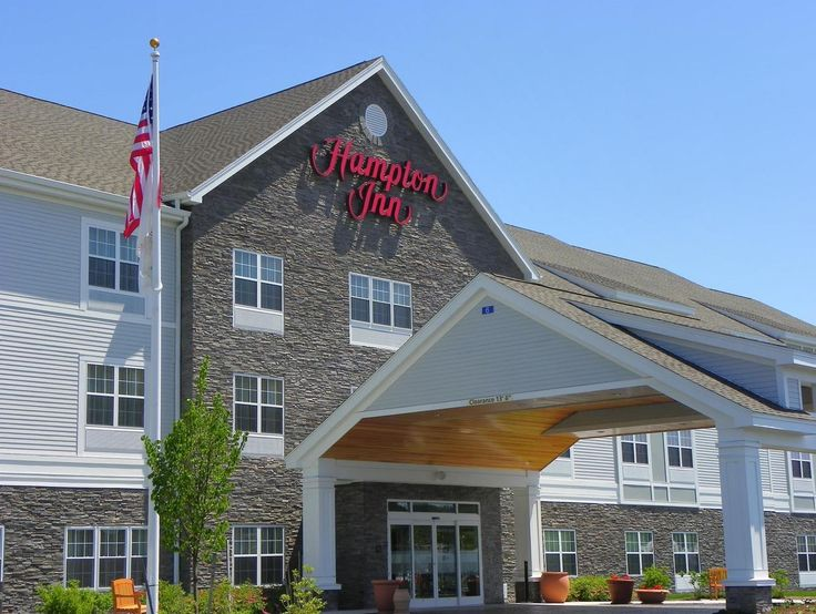 Ellsworth (ME) Hampton Inn Ellsworth Bar Harbor  United States, North America Set in a prime location of Ellsworth (ME), Hampton Inn Ellsworth Bar Harbor puts everything the city has to offer just outside your doorstep. The hotel has everything you need for a comfortable stay. To be found at the hotel are facilities for disabled guests, Wi-Fi in public areas, car park, business center, family room. All rooms are designed and decorated to make guests feel right at home, and som...