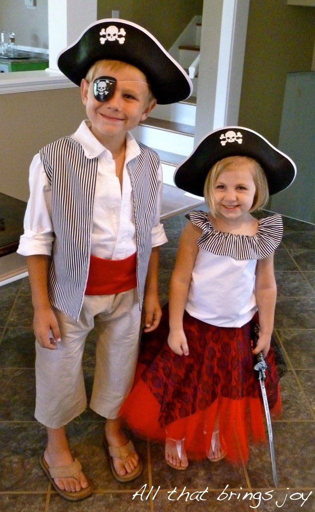 44 best costumes for the kids images on pinterest costume ideas all that brings joy pirate costumes pirate costumes for kidshomemade pirate costumesdiy solutioingenieria Image collections