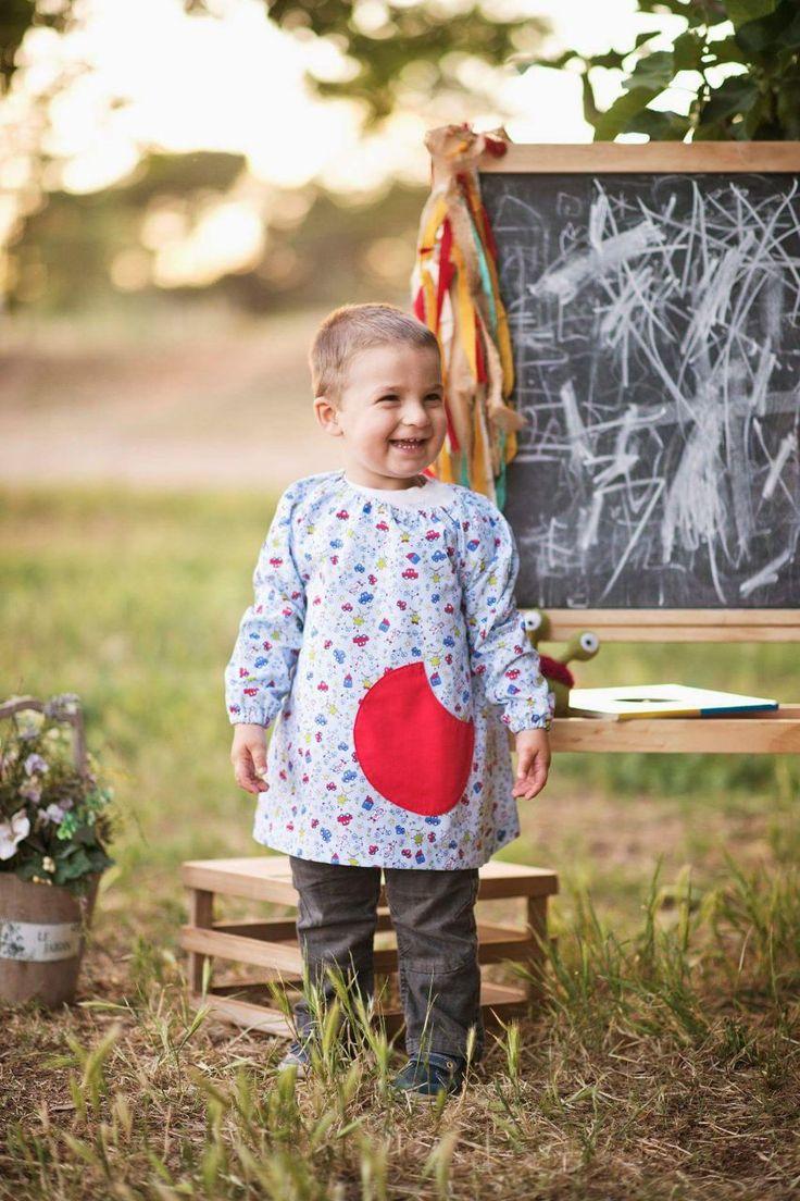 Nueva entre nosotros, esta bata de guardería para niños de entre 2 y 4 años aproximadamente se postula como una de nuestras favoritas ¿o no? Puedes verla en http://www.monstruitos.es/home/112-bata-guarderia-infantil.html