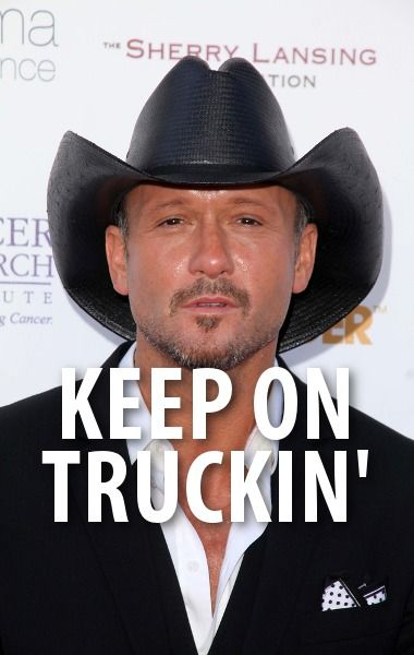 """Tim McGraw cameb y Ellen to perform his song """"Keep On Truckin'"""" and to talk about whether he's having another kid, his new tour, and his love of Ellen underwear. http://www.recapo.com/ellen-degeneres-show/ellen-interviews/ellen-tim-mcgraw-keep-truckin-performance-another-child/"""