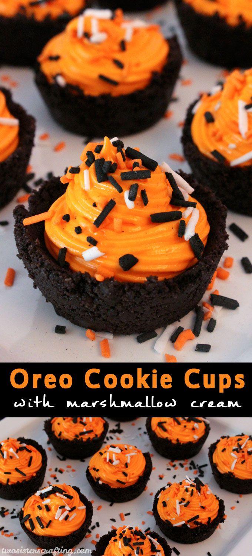 Si estás buscando un divertido postre para Halloween, ¿Qué tal estas tazas de galletas Oreo con crema de malvavisco y confeti de azúcar con los colores de Halloween? #PostresHalloween