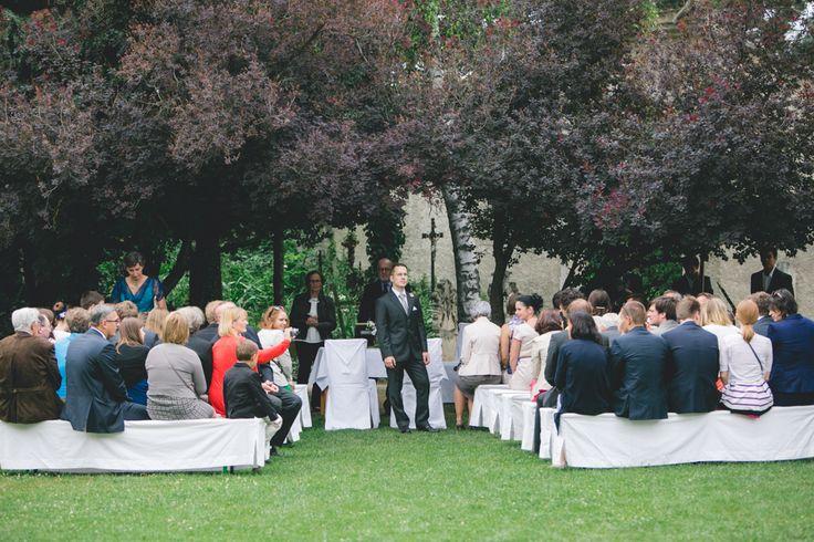 Eine sehr tolle Hochzeitslocation in Niederösterreich verbirgt sich nördlich von Wien: der Himmelkeller Kronberg. Schöne Location für Outdoorhochzeiten.