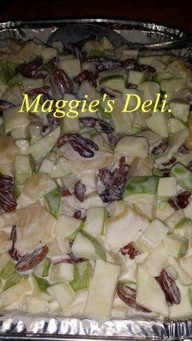 Ensalada de manzana verde y nuez. Una deliciosa y fresca ensalada de manzanas verde,piña y nuez, para la fiestas navideñas. Se prepara desde un día antes y eso nos ayuda a tener tiempo para preparar más cosas deliciosas.