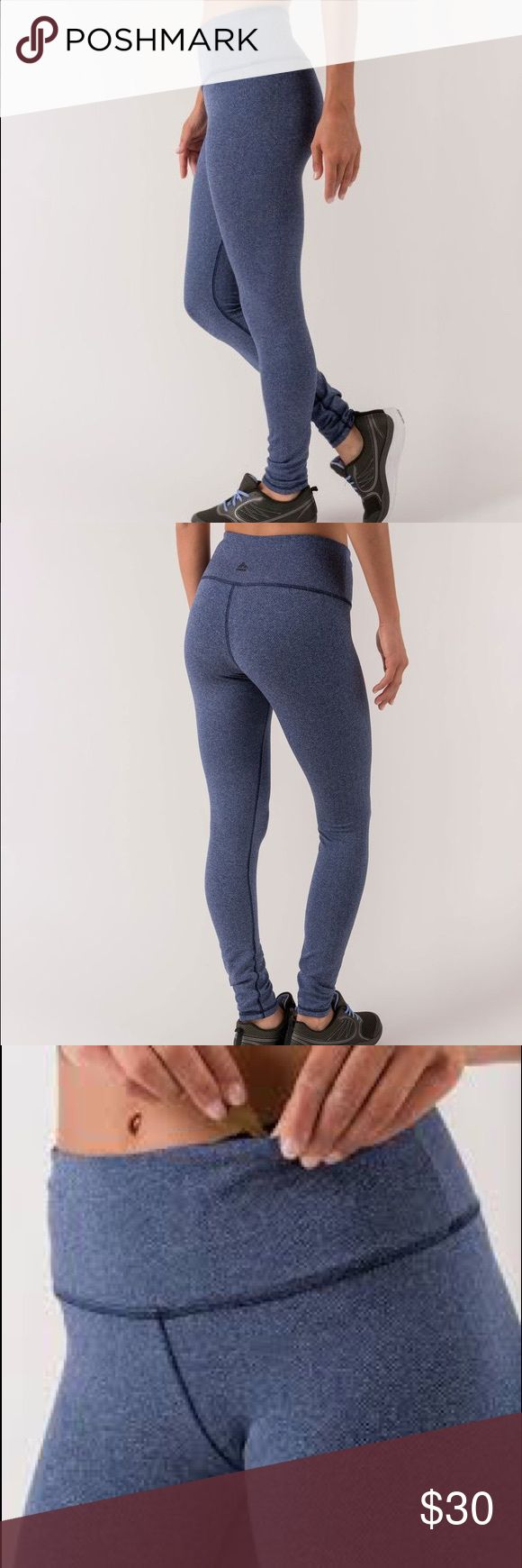 RBX navy herringbone patterned legging sz small Jacquard woven knit leggings constructed for warmth and flexibility; moisture-wicking technology keeps you dry as things heat up. An advanced look with a traditional taste, these leggings will enhance your workout wardrobe exponentially. Little to no signs of wear. Some stain on inside not visible from outside. Reebok Pants Leggings