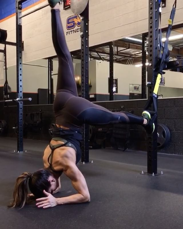 "10.2k Likes, 466 Comments - Alexia Clark (@alexia_clark) on Instagram: ""Core Crazy  TRX  1. 15 each side  2. 20 each side  3. 15 each side  4. 15 each side  5. 10 each…"""