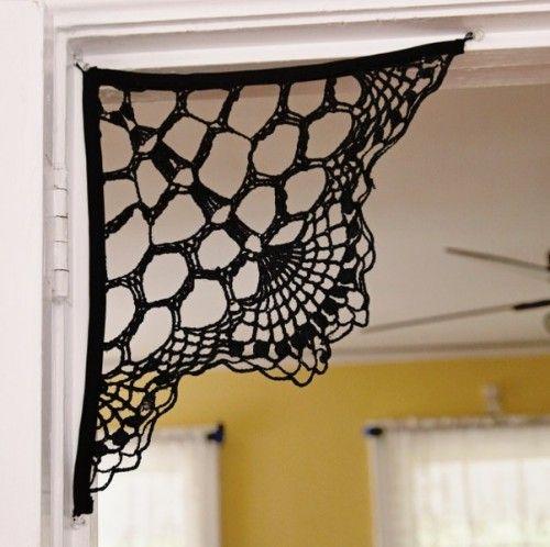 doily spiderweb corbels (via mysocalledcraftylife)