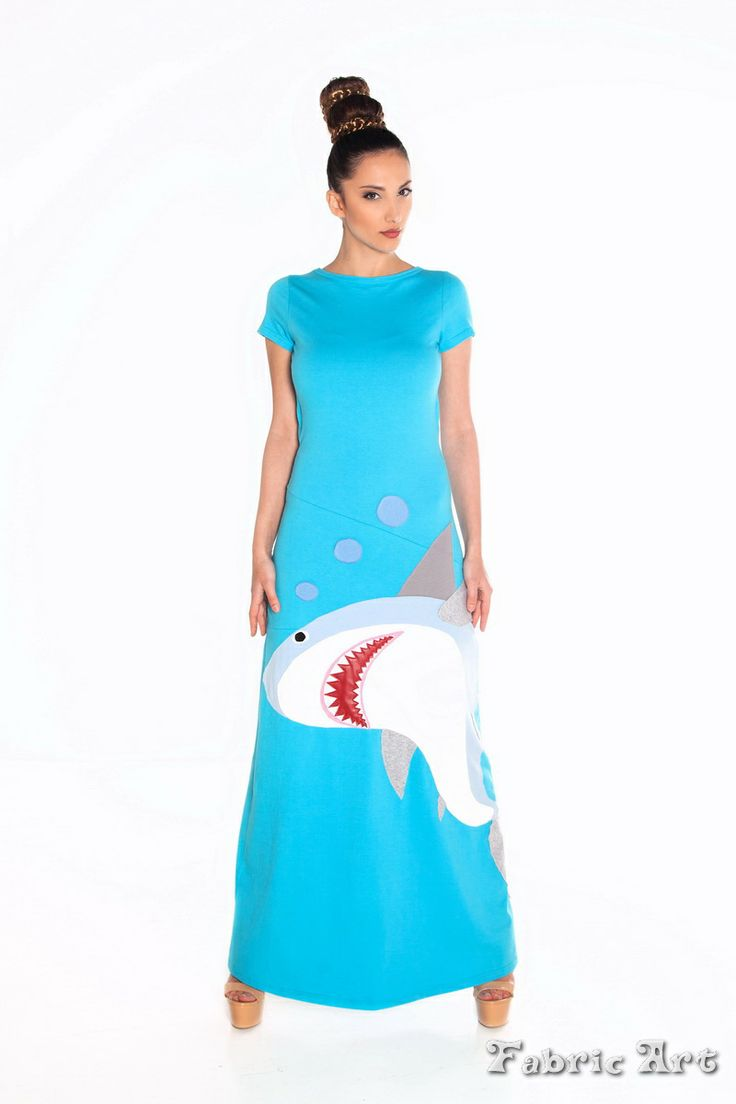 "Short sleeve maxi dress with open back and handmade applique ""Shark"""