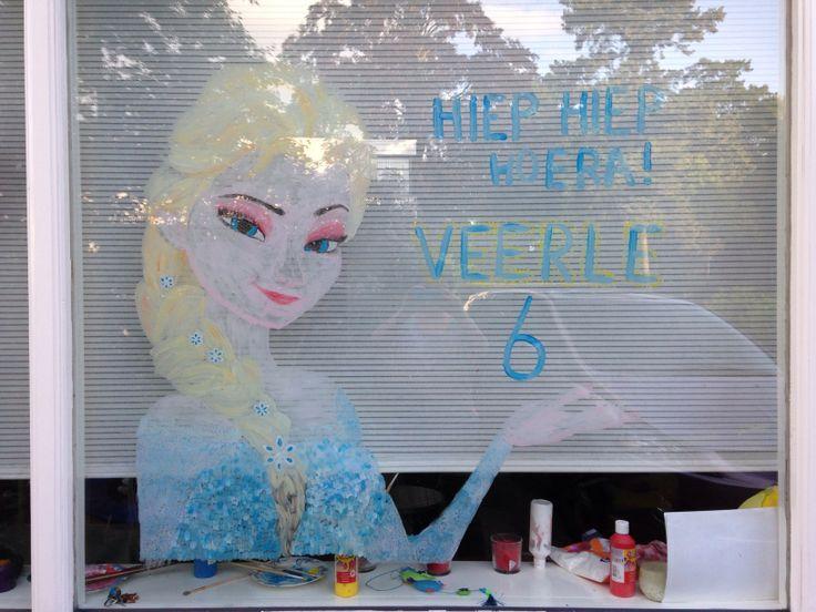 Het is bij ons traditie, met je verjaardag schilder ik wat leuks op het raam. Voor Veerle is dat nu natuurlijk Elsa van Frozen!