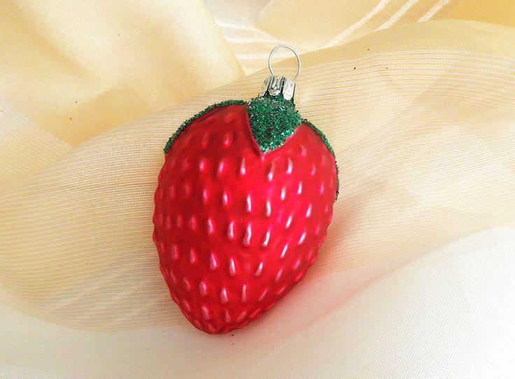 Baumschmuck: Kugeln - Erdbeere aus Glas, Baumschmuck, Weihnachtsdeko - ein Designerstück von Weihnachtsromantik bei DaWanda