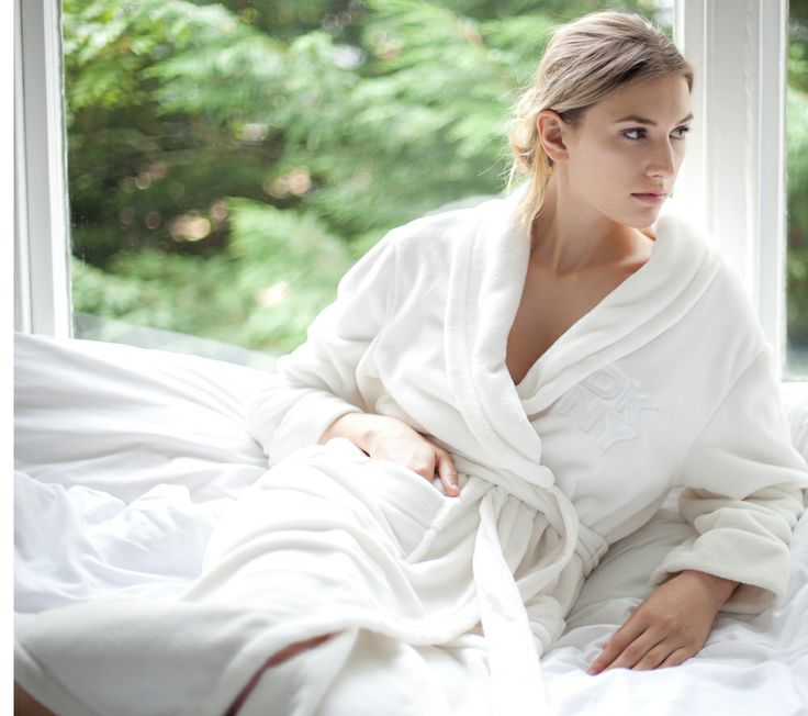 DKNY Ladies Signature Dressing Gown