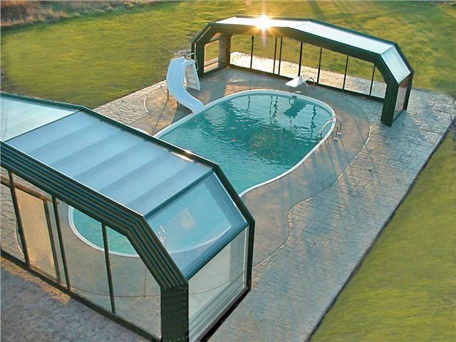 Michigan Pool Enclosure Manufactured By Roll A Cover Swimming Pool House Pool Cover Cool Pools