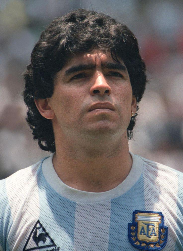 Diego Armando Maradona one of the greatest soccer player (como persona no es de mi agrado pero fue un gran jugador!)