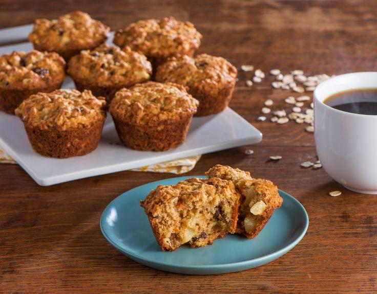 Commencez la journée avec ce déjeuner classique. Carottes, ananas et blé entier bon pour la santé rendent ces muffins aussi délicieux que nourrissants. Dégustez-en un avec votre café du matin et apportez-en un – ou deux – pour la route!