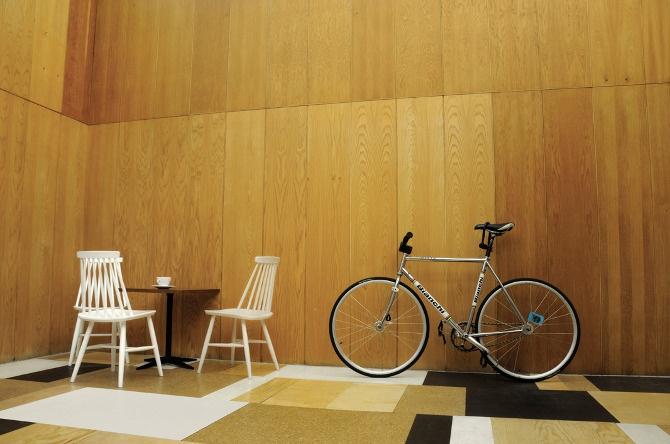 MARQ / gzgz: MARQ / selección / relaks café y reparación de bicicletas / Varsovia