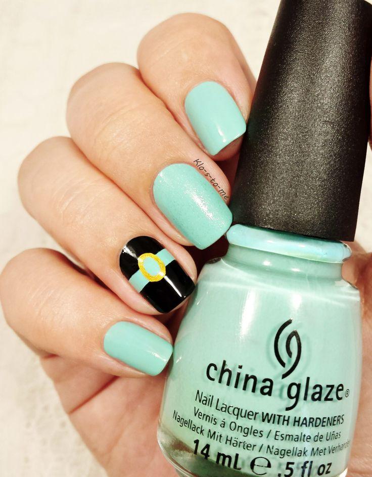 Disney Contest #14– China Glaze : For Audrey– China Glaze : Liquid Leather– Star gazer : gold– Jade : Liquid diamond