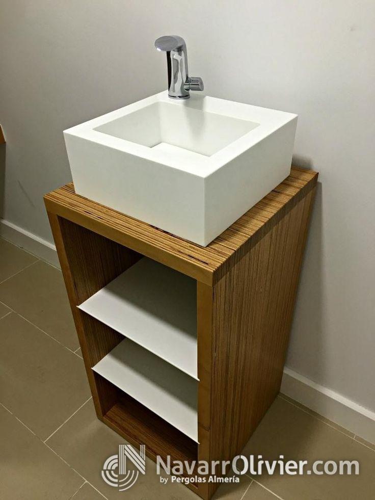 Mueble de baño de madera con lavabo en krion. www.navarrolivier.com  #KRION #lavavo #madera #mueble #interiorismo #decoracion #solidSurface #navarrolivier