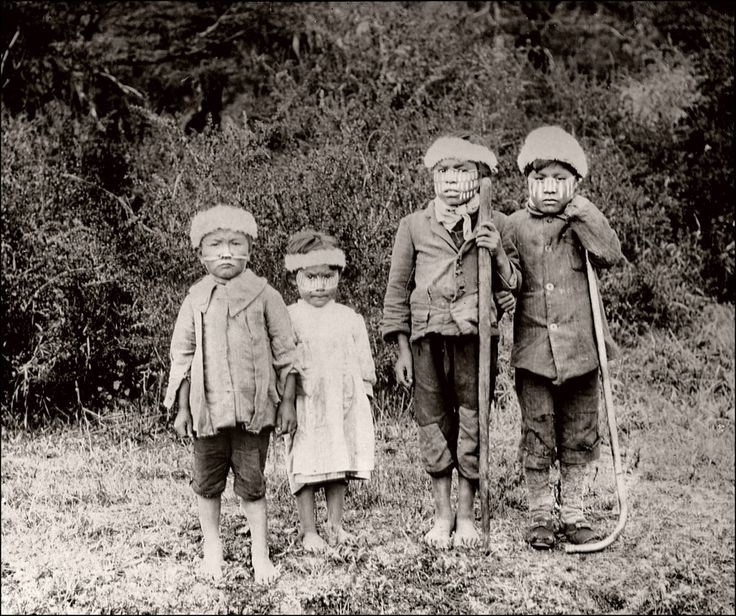 Yaghan Children (1922). The Yaghan were one of the indigenous peoples of the…