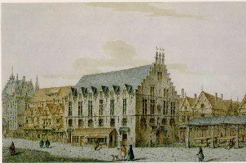 Het oude vleeshuis en de vismarkt.  In Mechelen mocht het vlees alleen in de vleeshalle, op de Ijzerenleen, verkocht worden, om de kwaliteit van het vlees gemakkelijker te kunnen controleren en om de monopoliepositie van het vleeshouwersambacht veilig te stellen. Tot 1532 lag de Mechelse vismarkt tegenover het vleeshuis. De rivier vloeide nog tot op de Ijzerenleen en de vis werd rechtstreeks vanop de schuiten op de kraampjes geladen. Het vleeshuis werd in 1914 totaal vernietigd.