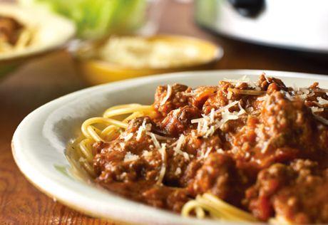 Espagueti a la boloñesa en olla de cocción lenta receta de Campbell
