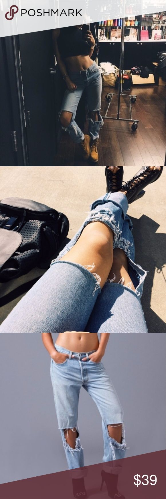 💫WORN BY KYLIE JENNER - LEVIS RIPPED JEANS💫 brand new VINTAGE. -ADD A BELT. FITS SIZES 28-35 THESE ARE MEANT TO BE WORN WITH A BELT ! Brandy Melville Pants