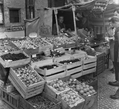 Berlin market, 1949