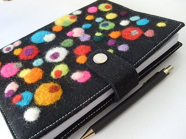 beautiful needle-felted journal cover - from mi_entropia on flickr