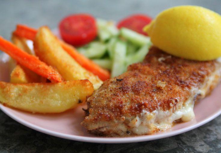 Panerad & fylld schnitzel med ugnsrostade rotsaker