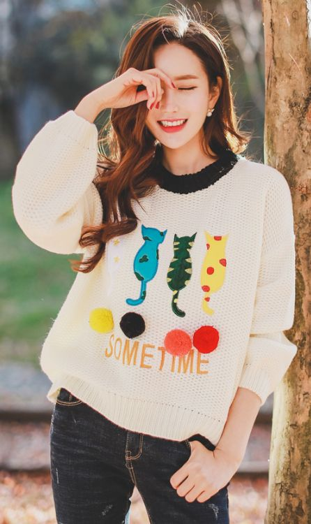StyleOnme_Colorful Cat Knit Sweater #ivory #cat #catlover #sweater #cute #sweet #dailylook #knitwear #koreanfashion #seoul #kstyle #kfashion #falltrend #everydaylook #kawaii