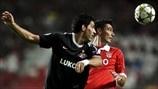 Óscar Cardozo (SL Benfica) &  Juan Manuel Insaurralde (Juan Manuel Insaurralde)   Benfica 2-0 Spartak. 07.11.12.
