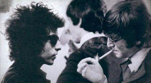 El viernes 28 de agosto de 2014 se cumplen 50 años del mítico encuentro entre Dylan y Los Beatles en el Hotel Delmonico en Nueva York. Medio siglo desde que Bob Dylan les diera mariguana a los integrantes del grupo de pop (presuntamente) por primera...