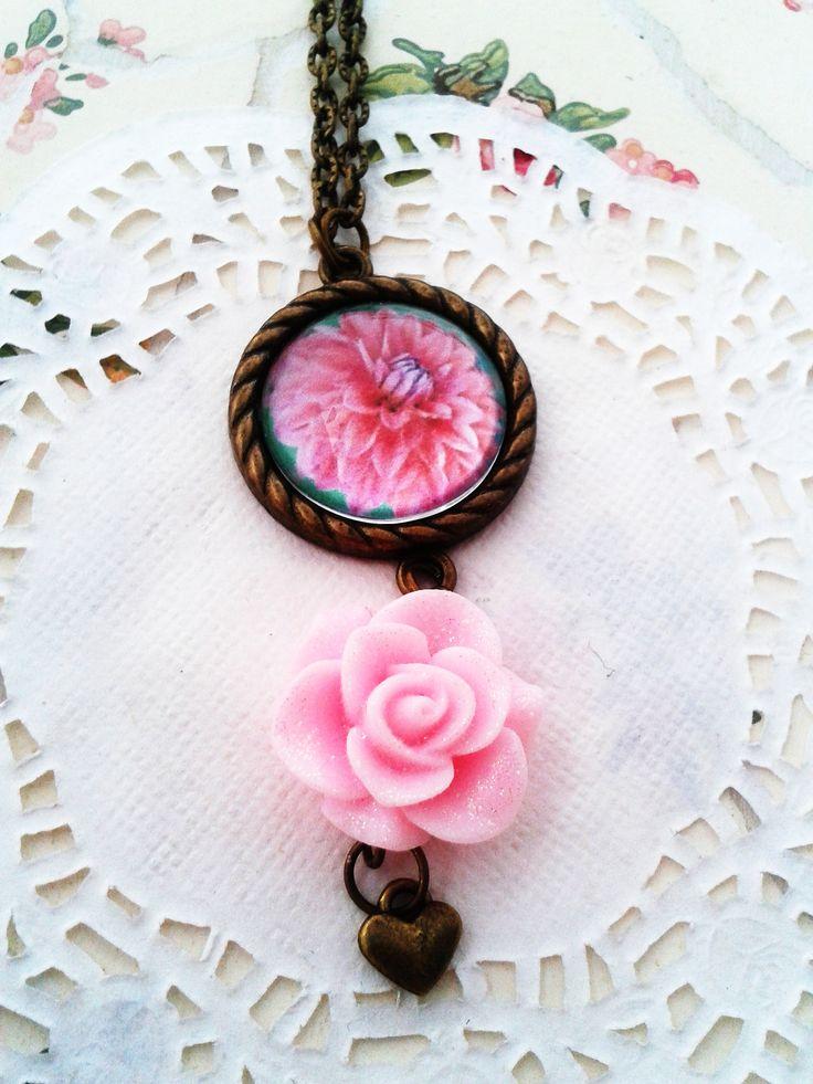 Rózsás csajos nyaklánc