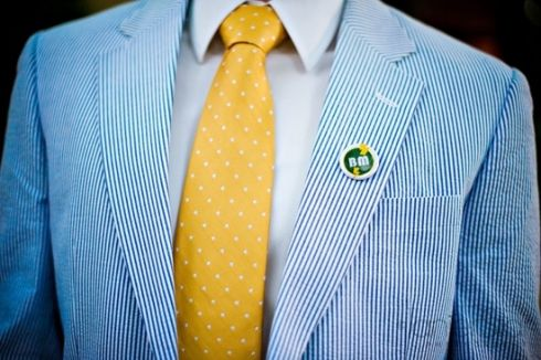 seersucker-suit-yellow-necktie