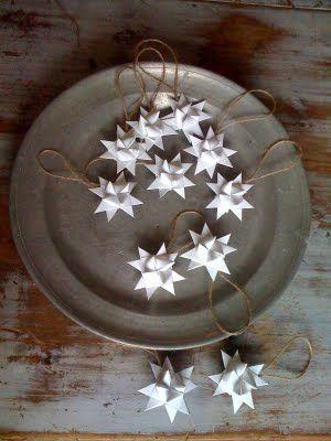 Christmas | Xmas | Jul | Noel. DIY: White Paper Stars. Danish. Denmark. Dansk